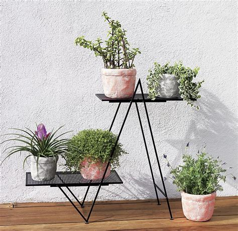 Stand Planter plant stand style with a modern twist