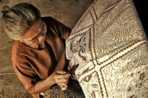 Blus Batik Lilin Abitex 003 fitinline menggambar ragam hias motif batik dengan cara stilasi