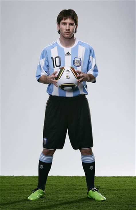 Standing L by Lionel Messi Announced As 2009 Fifa World Player Of The