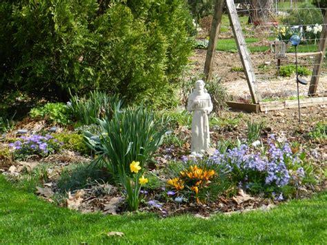 spring garden ideas spring garden ideas on pinterest photograph spring blooms