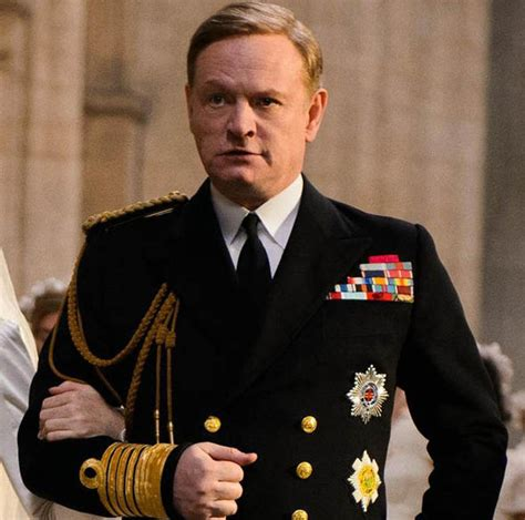 actor king george vi the crown the crown cast who plays queen elizabeth churchill and