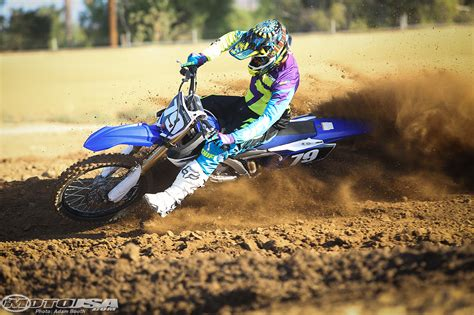motocross bike racing yamaha dirt bike racing pixshark com images
