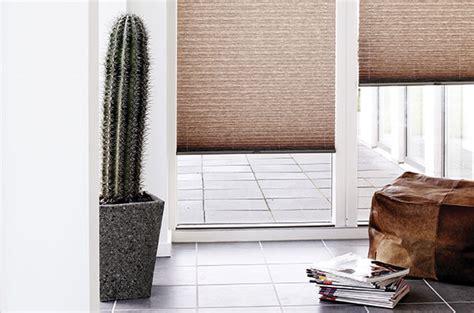 Plissee Sonnenschutz by Das Plissee Faltstore Am Dachfenster Nach Marke Und Typ