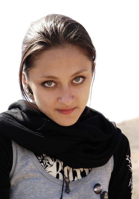 iranian woman hair cut photoes persian girl streets of iran iranian beauty persian