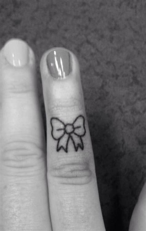 tattoo on finger bow finger bow tattoo t a t t o o s pinterest