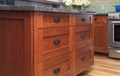 8 best hardware styles for shaker cabinets