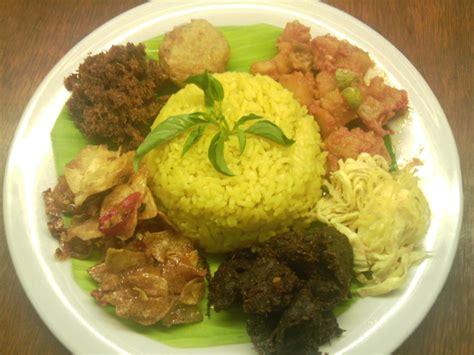 buat nasi kuning di magicom new vegetarian planet katering vegetarian di surabaya