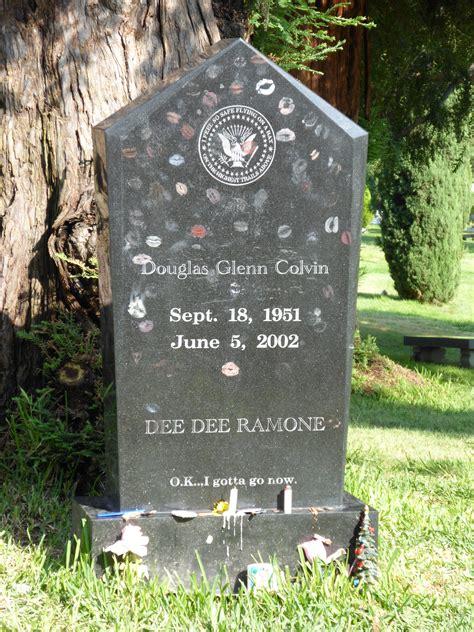 lplive wiki chester bennington memorial file ramone s grave jpg wikimedia commons
