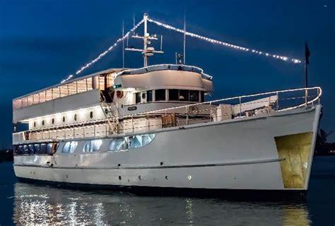 electric boat rental balboa island newport beach harbor boat rental premium pontoon 11