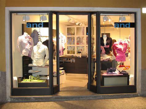 parrucchiere porte di roma vetrine per negozi teche espositive e porte automatiche