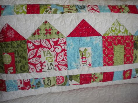 quilt pattern house free on trend house blocks and quilts 171 modafabrics