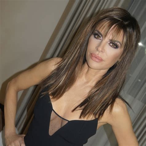 what products does lisa renna use on her hair lisa rinna rocks new longer locks after 19 years with her