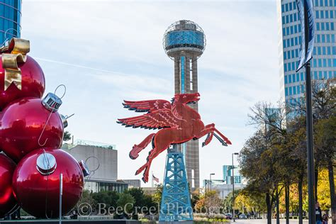 dallas pegasus reunion tower and holiday decorations