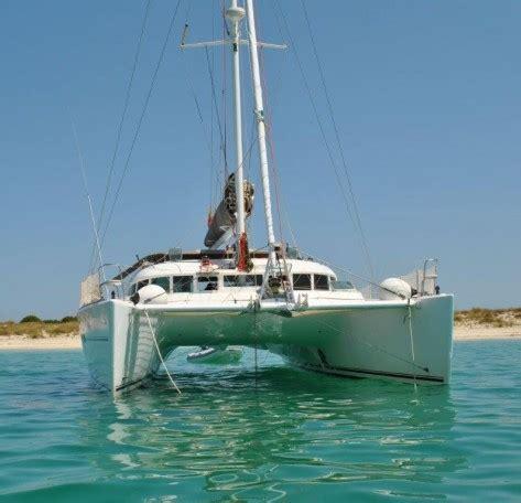 en catamaran definition alquiler barco lujo ibiza formentera catamaran lagoon 470