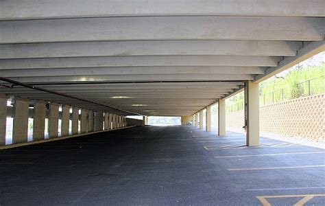 Precast Garage Construction by Medtronic Four Story 480 Spaces Parking Garage San