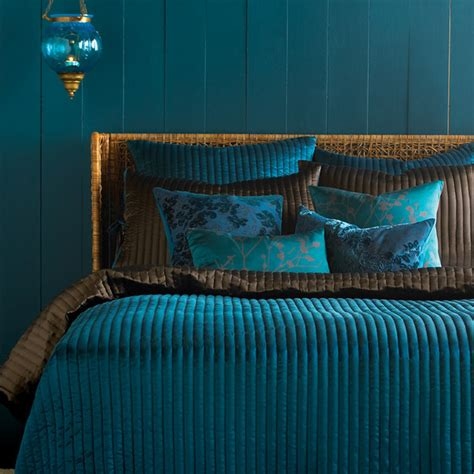 dark teal bedroom turquoise aqua teal decor on pinterest aqua bedrooms