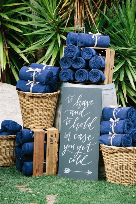 Backyard Wedding Favors by 25 Best Ideas About Backyard Wedding Decorations On