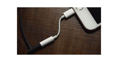Converter Lightning Adapter Audio For Iphone 77 claims to show apple s iphone lightning audio
