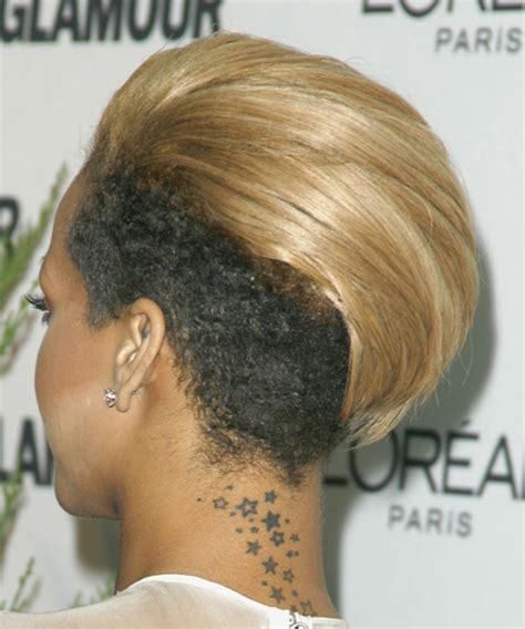 hair style for trichotillomania rihanna short straight alternative undercut hairstyle