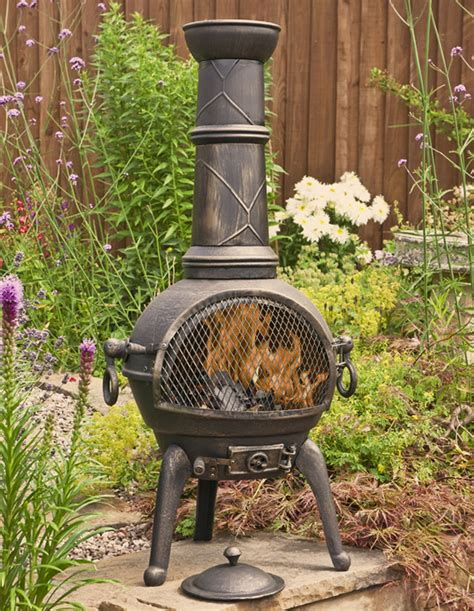 Large Clay Chiminea With Grill Bronze Large Cast Iron Chimenea With Grill By La
