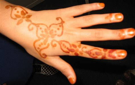 how much is a henna tattoo how much do henna tattoos cost howmuchisit org