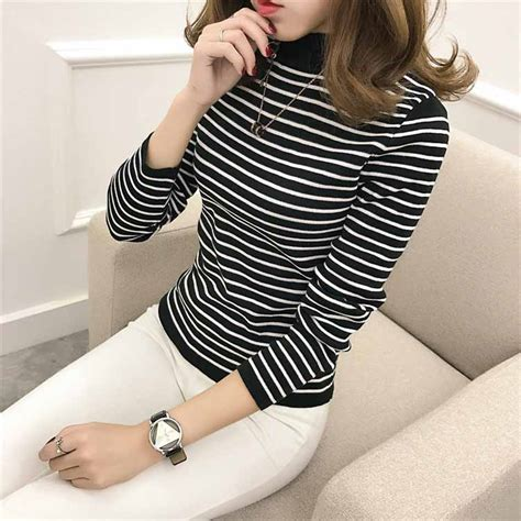 Turtleneck Wanita Import turtleneck wanita lengan panjang garis 2017 model