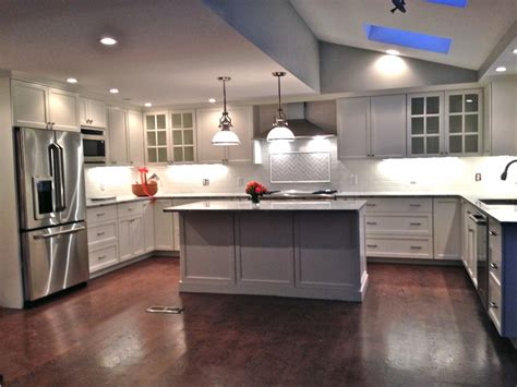Lowes Kitchen Design Ideas Home Depot Kitchen Cabinets Lowes Layout Gallery Design Ideas Photos Wonderful Brown Wood