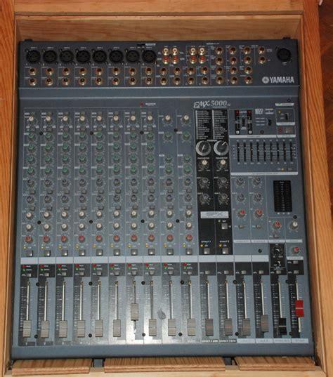 Power Mixer Yamaha Emx5000 yamaha emx5000 12 image 285119 audiofanzine