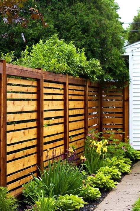 Cheap Backyard Fencing by 17 Best Cheap Fence Ideas On Cheap Kennels