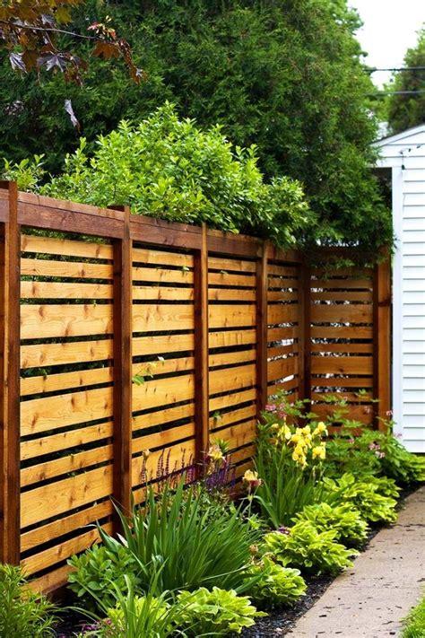 cheap backyard fencing 17 best cheap fence ideas on pinterest cheap dog kennels
