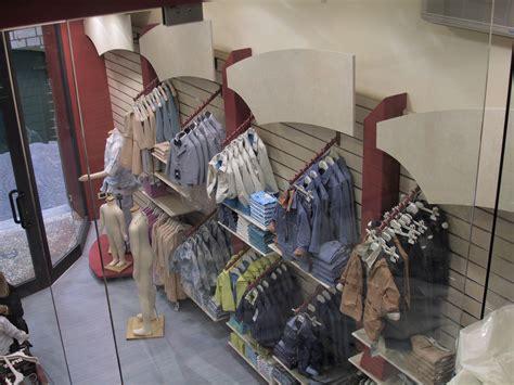 arredamento negozio abbigliamento bambini arredamento negozio abbigliamento bambino