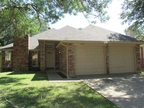 803 clover hill ln cedar hill 75104 foreclosed