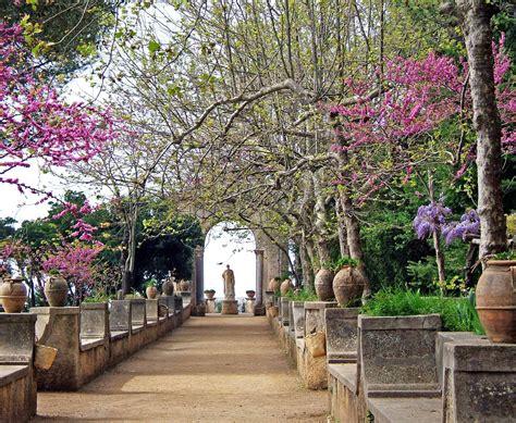 giardino di ravello giardini di ravello limoncello e specialit 224 d eccellenza
