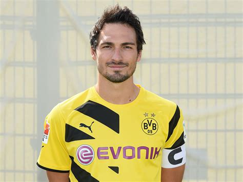 No Way Mats Hummels Snubs Manchester United Prefers To