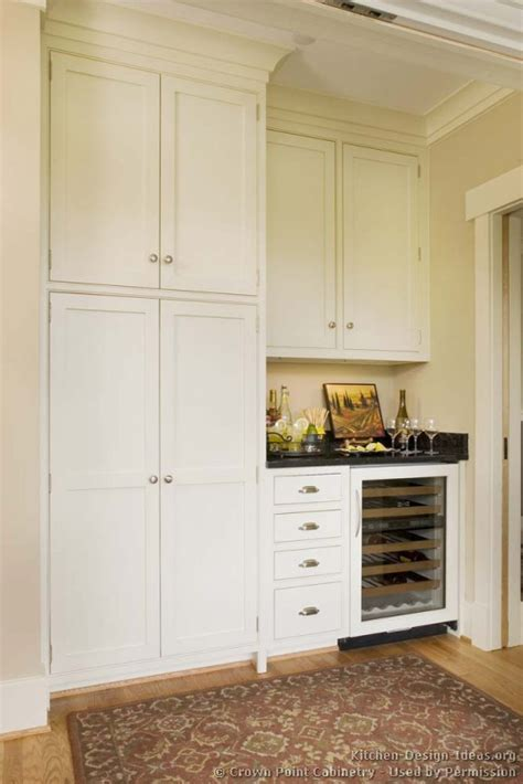 built in kitchen cabinets cottage kitchens photo gallery and design ideas