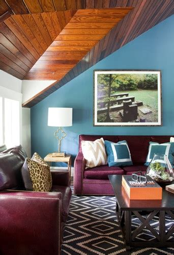 25 best ideas about burgundy couch on pinterest dark blue walls navy walls and navy blue walls