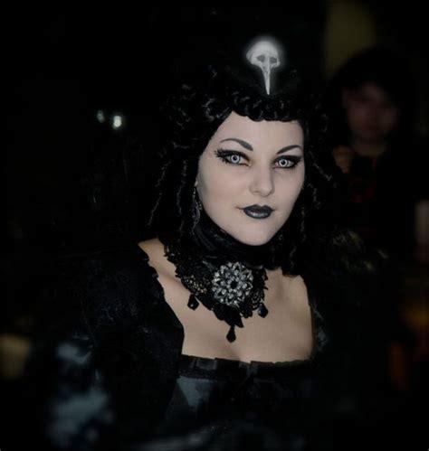 imagenes de mujeres rockeras goticas festival g 243 ticas guarda que hay im 225 genes que asustan