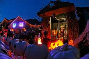 Halloween House Decorations Uk When Is Halloween 2015 And How To Celebrate The Spooky