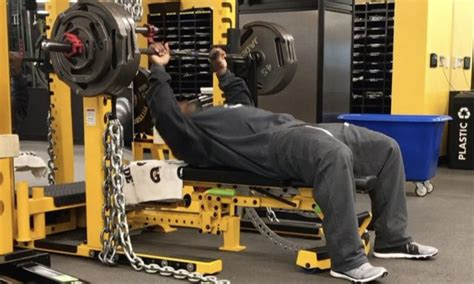 how much can james harrison bench press james harrison on latest insane bench press with chains