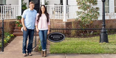 waco texas real estate chip and joanna gaines chip and joanna s newly opened b b is already completely