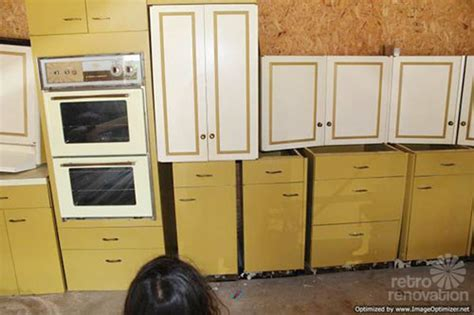 st charles kitchen cabinet hardware harvest gold kitchen cabinets quicua