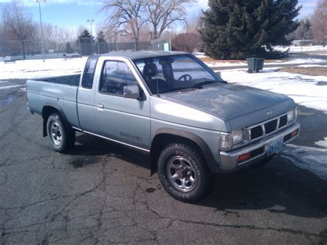 nissan truck 1993 nissan pickup 4x4 se extended cab for sale or trade