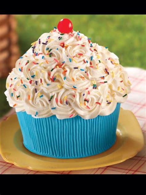 giant cupcake awesomeness cute foods  drinks creative birthday cakes cupcake cakes
