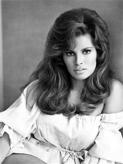 raquel welch famous poster raquel welch 1968 photo allposters co uk