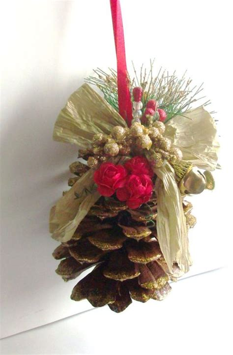 25 beautiful pinecone christmas ornaments ideas magment