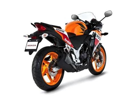 honda cbr250r india review price and specifications honda cbr250r repsol edition price specs review pics