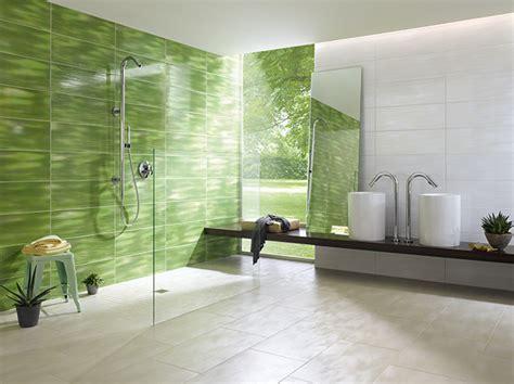 fliesenwand im badezimmer duschw 228 nde individuell mit fliesen gestalten renovieren de
