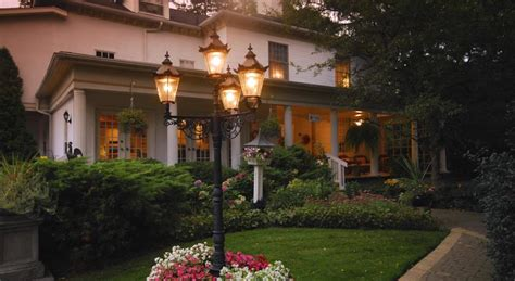 niagara on the lake bed and breakfast brockamour manor bed and breakfast niagara on the lake b