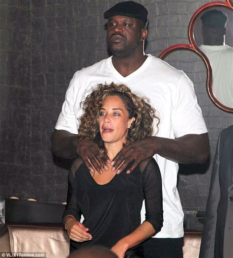 lagicia rolle hair shaquille o neal kisses new love laticia rolle in paris