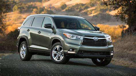 toyota hybrid battery expectancy why choosing a toyota highlander hybrid cars news official